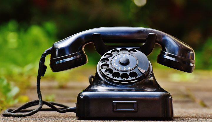 antique black classic phone
