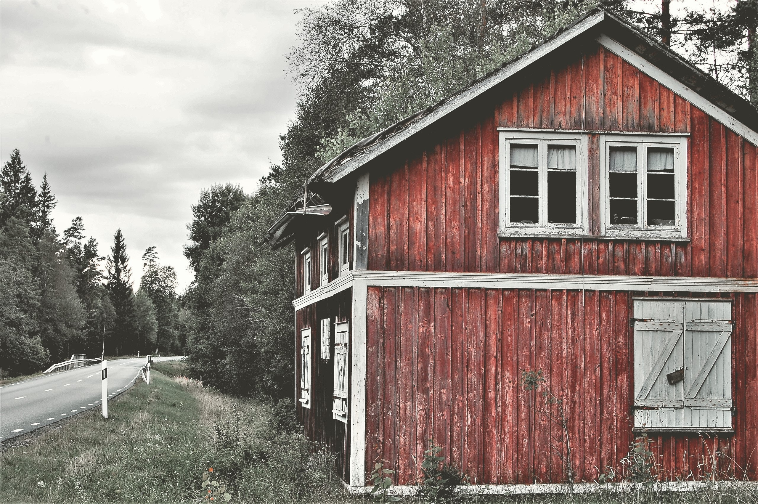 abandoned-architecture-barn-436381